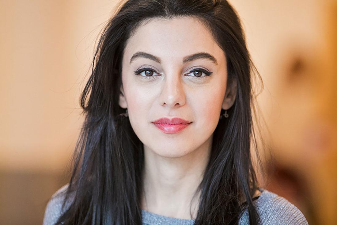 Dona Hariri, Dona Hariri är jurist och har prisats för sitt arbete med att ge alla rätten till sina rättigheter. Dona arbetar med folkbildning som ett sätt att överbrygga glappet mellan rättssystemet och medborgare. Hon lyfter juridiken som ett demokratiskt verktyg och inte som ett maktmedel samt pratar om juristens roll som en del av civilsamhället. Foto: Johan W Avby